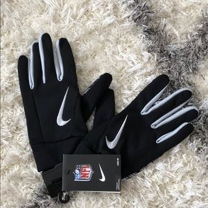 Nike Accessories - Nike receiving gloves size xl new